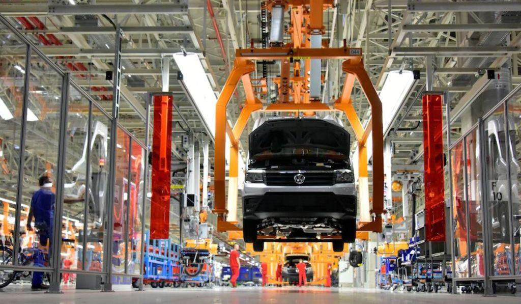 Industria automotriz debe arrancar este lunes: Canacintra Puebla