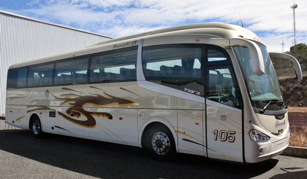 La flota del transporte turístico llegó a las 83,855 unidades en 2019, impulsada por la integración de autobuses y automóviles.
