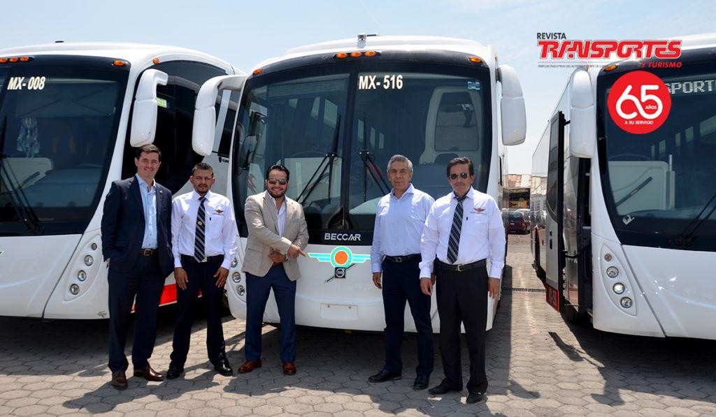 Volvo entrega dos buses a SPSC