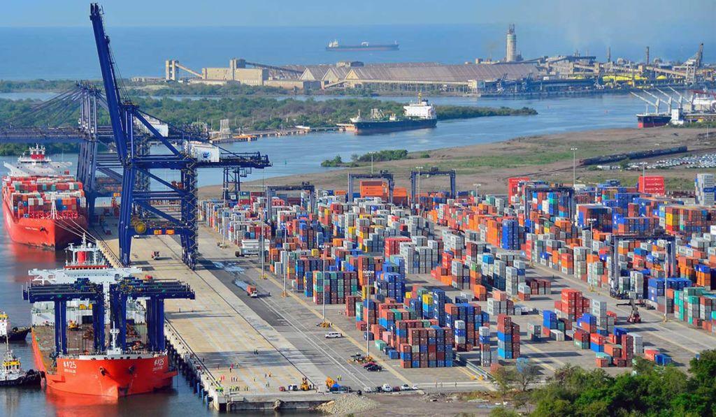 La Armada asume el control en 104 terminales marinas