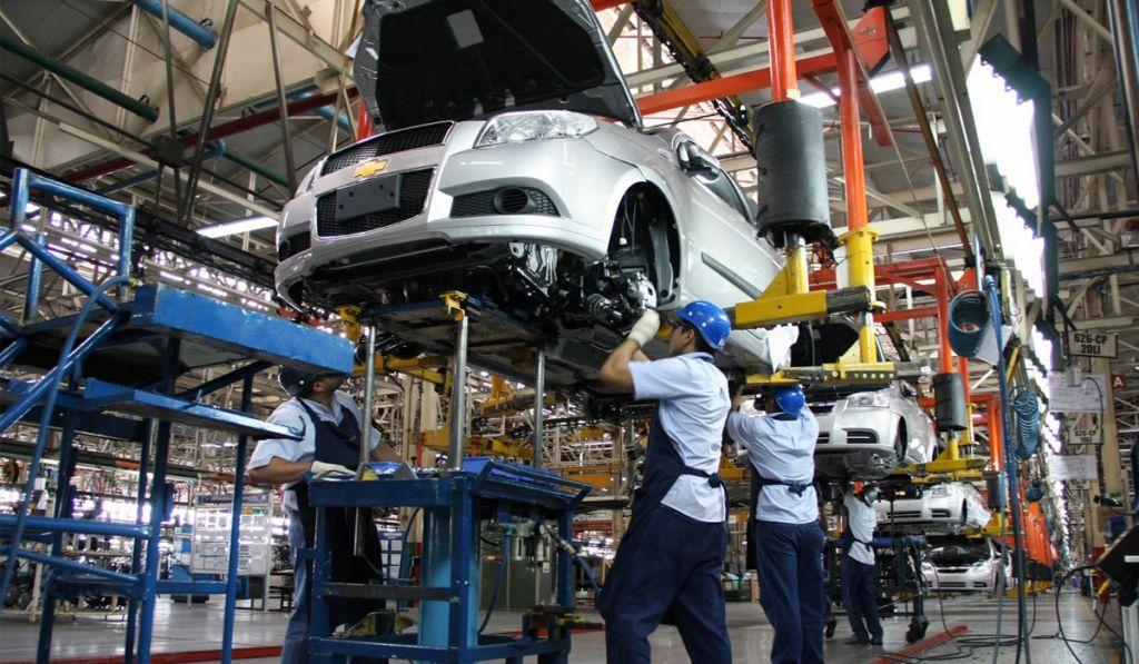 Industria automotriz, prioridad de AMLO para su reactivación: Concamin