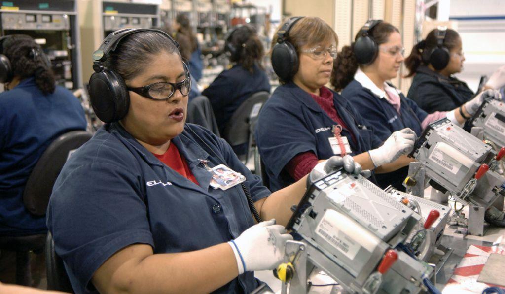 COVID-19 elimina 70,000 empleos de maquiladoras: Index