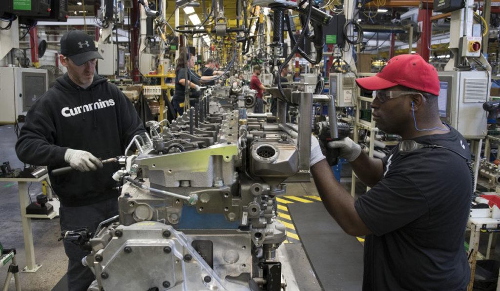 Gobierno de AMLO declara esencial la fabricación de equipo de transporte