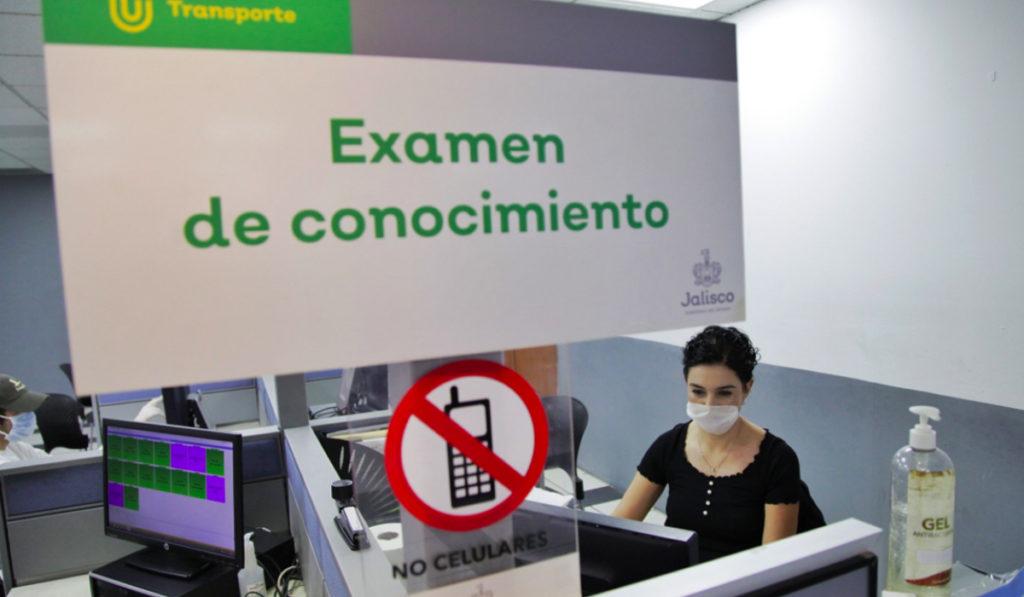 Posterga Jalisco citas para licencias por coronavirus