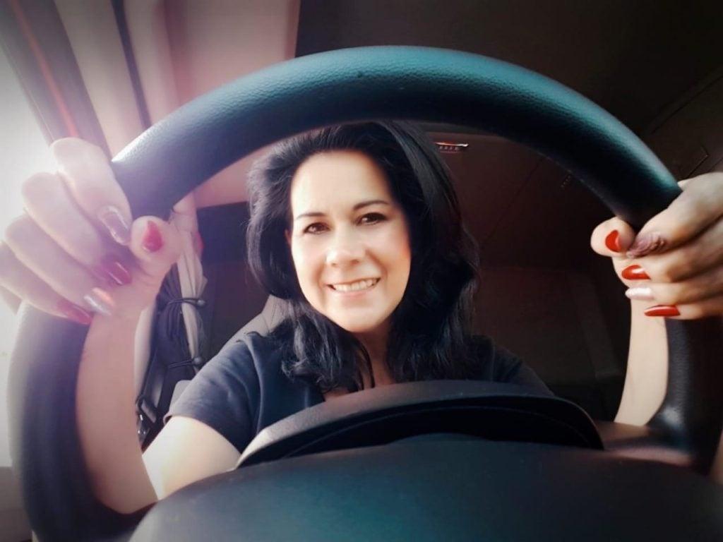 Mujeres se abren paso en el autotransporte