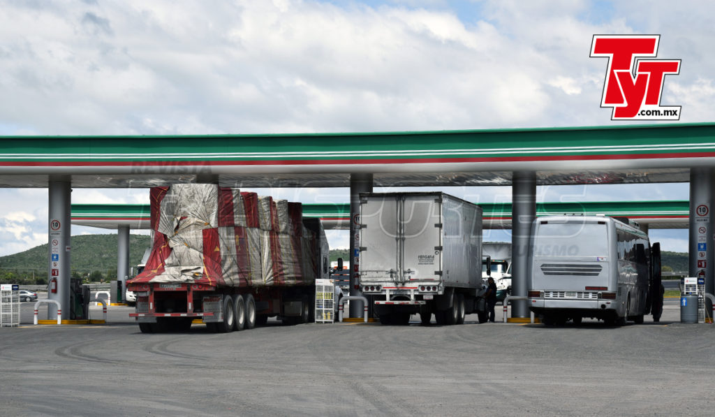 AMLO destaca baja en precio del diesel (van siete meses sin estímulo al IEPS)