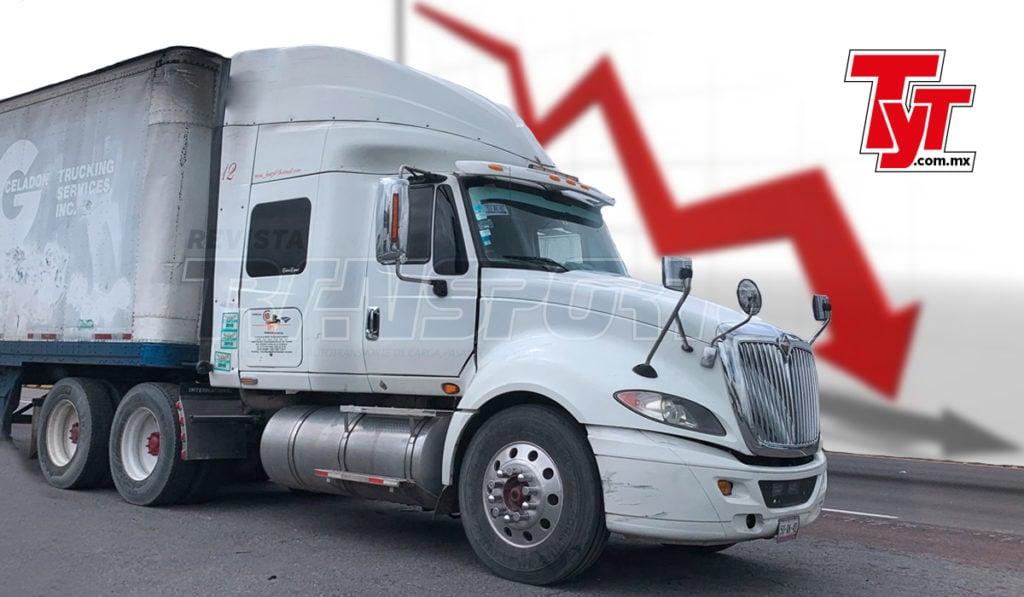 La aduana de Nuevo Laredo, Tamaulipas, la más importante del país, el valor de la carga movida por el autotransporte cayó 36.1 anual.