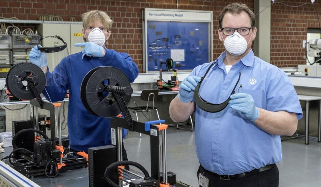 Volkswagen ha comenzado a producir soportes para caretas mediante impresión 3D para donar a España
