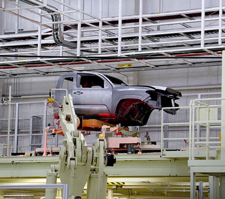 Toyota 'calienta' motores en Guanajuato y BC