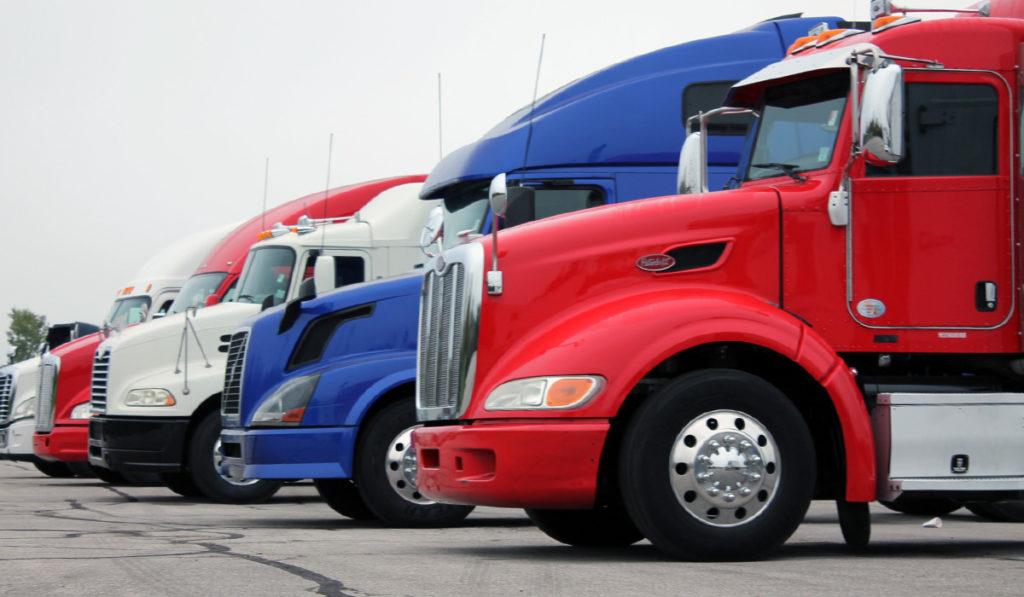 Primas de camiones cae 7.3% en el semestre afectadas por las ventas: AMIS