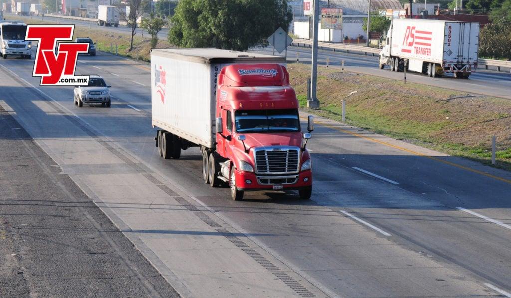Ingresos del autotransporte de carga caen a ritmo precovid en noviembre