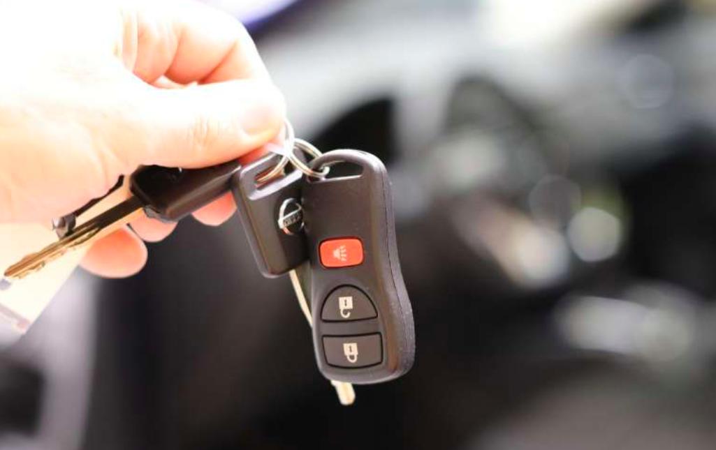 Venta de autos cae 59% en mayo, a menor ritmo que en el mes previo