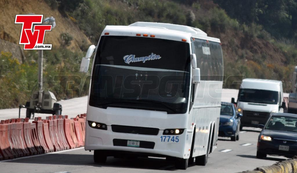 El 65% del transporte de excursión excede la antigüedad permitida
