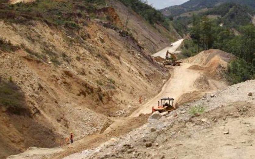 Aprueban reformas para que construcción de autopistas contemple protección de ecosistemas