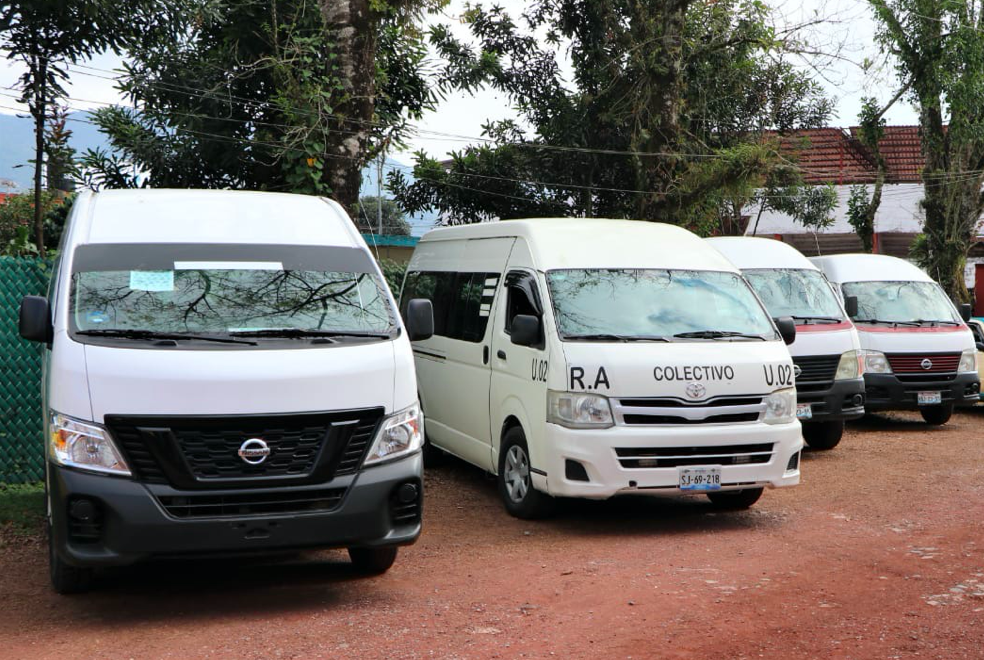 Facilitan regularización de transportistas en Xicotepec, Puebla