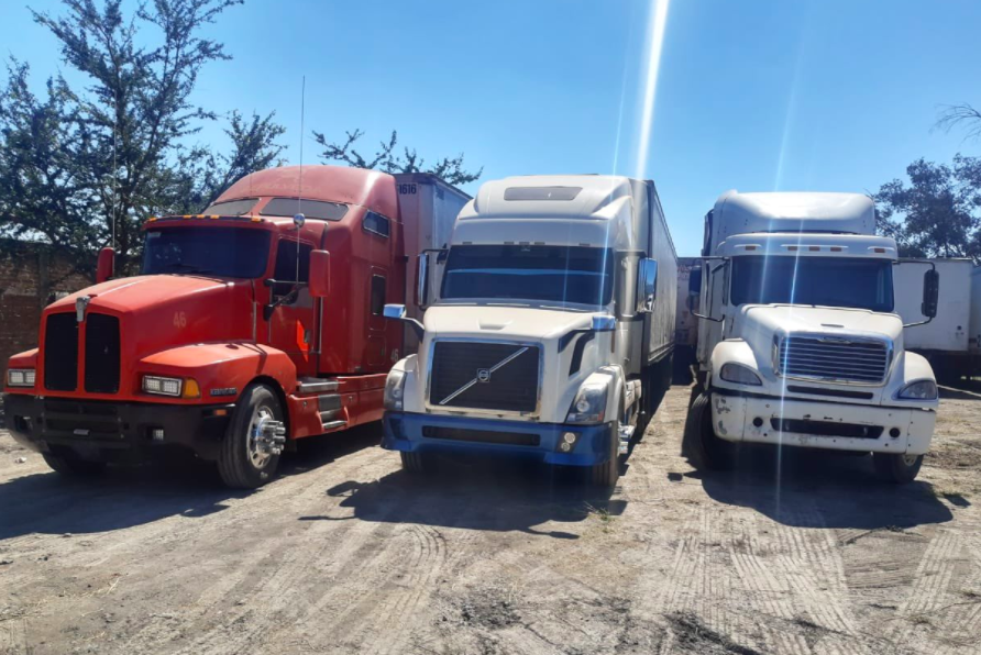 Guardia Nacional recupera 12 vehículos de carga robados en Jalisco