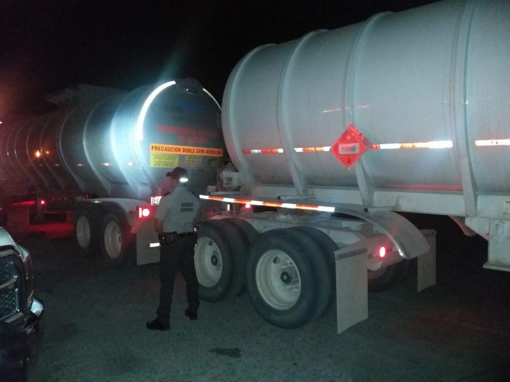 Roban en Zacatecas tracto cargado de diesel y aparece en Durango