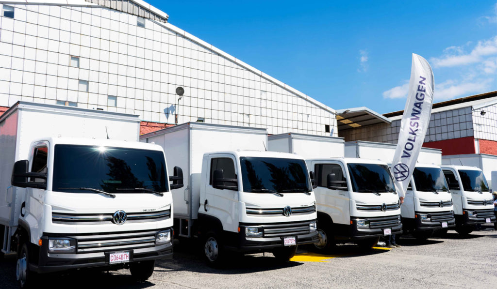 VW Caminhões e Ônibus envió nueve unidades Delivery 9.170 a Guatemala, destinadas a transportar bebidas del fabricante local Big Cola.