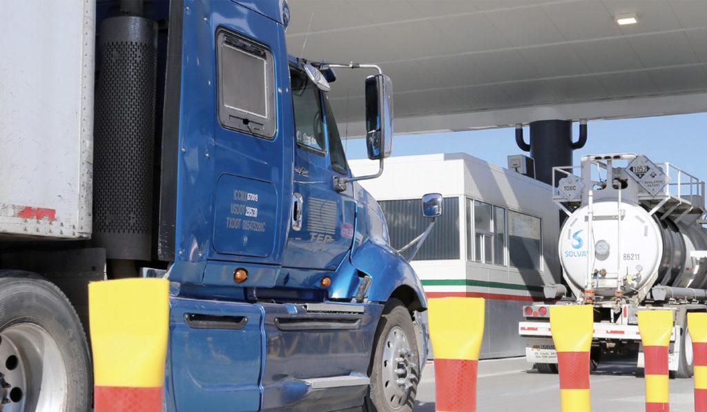 Noviembre rompe racha al alza de autotransporte entre México y EU