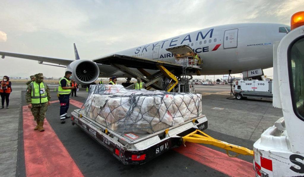 Llegan a México vacunas CureVac para la fase 3 de pruebas
