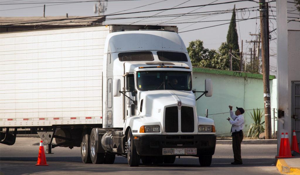 Laredo recibe más de 180,900 mdd en mercancías en 2020