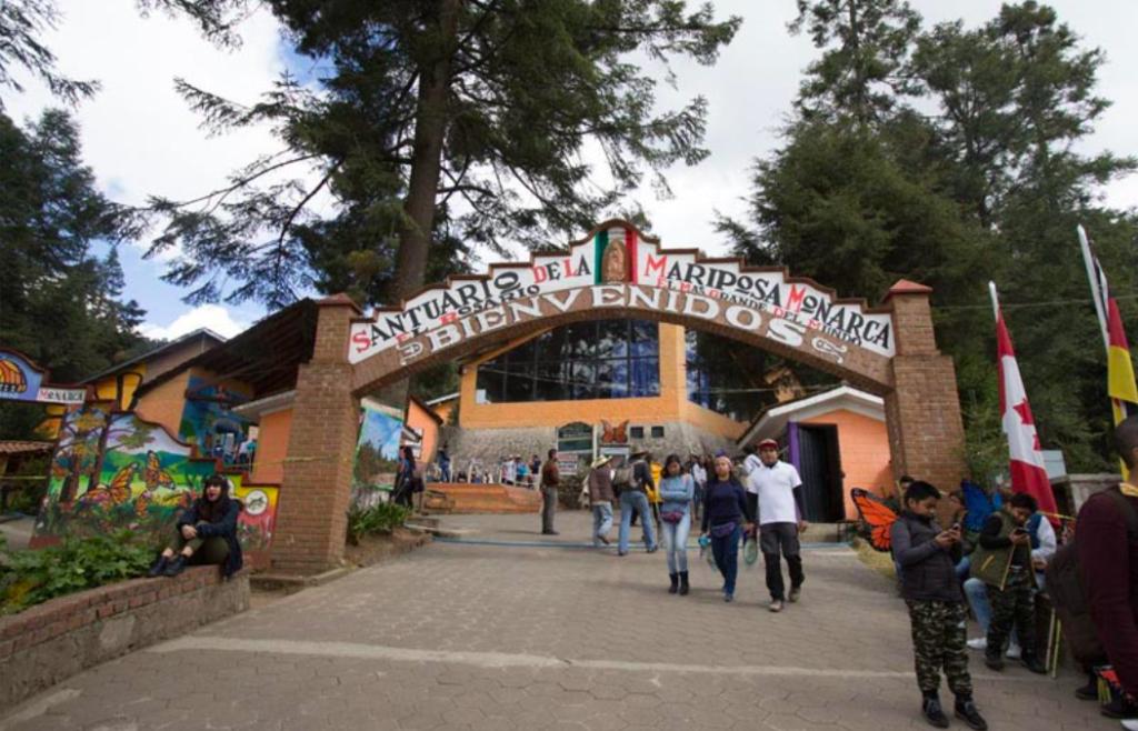 Michoacán limita horarios de centros comerciales