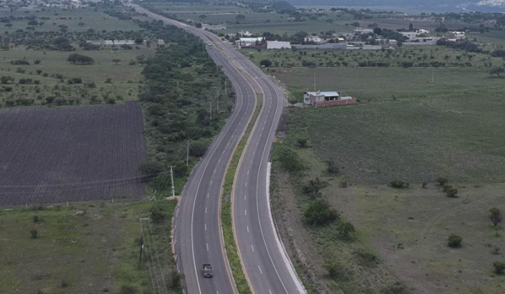 Entregan modernización de la carretera La Cueva- Presa de Bravo