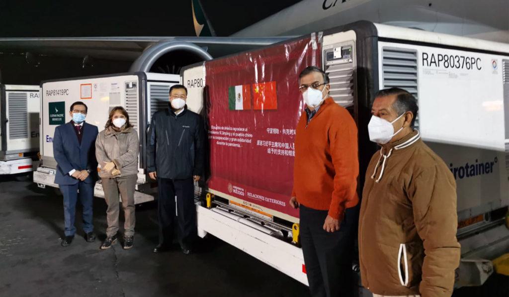 Ya son un millón de vacunas Sinovac en México