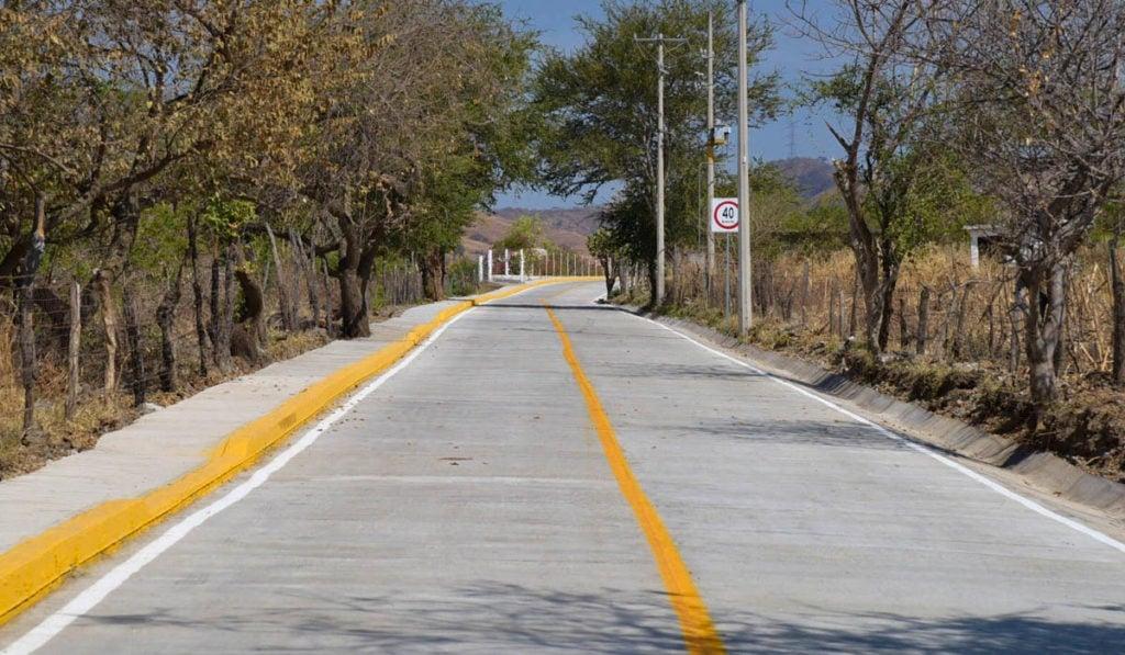 Rehabilitan carretera Labor de Zaragoza-Llano Grande en Edomex