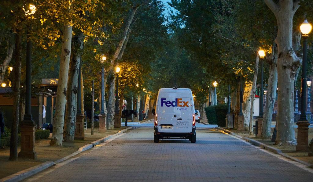 FedEx quiere alcanzar neutralidad de carbono para 2040