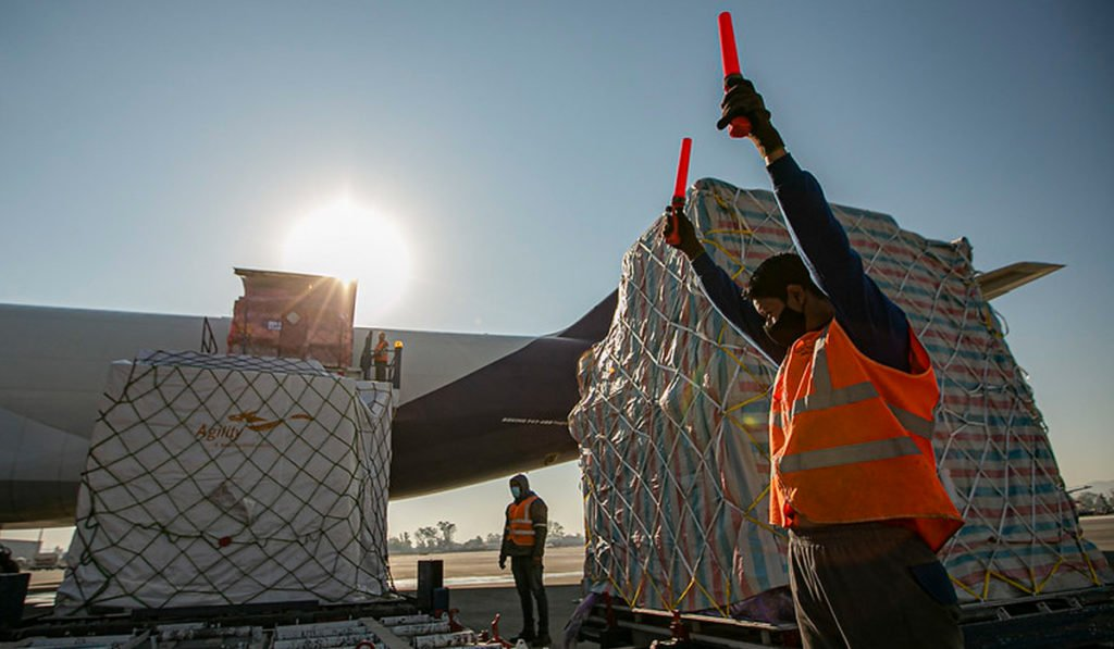Llega a Jalisco el primer vuelo de carga directo de Shanghai
