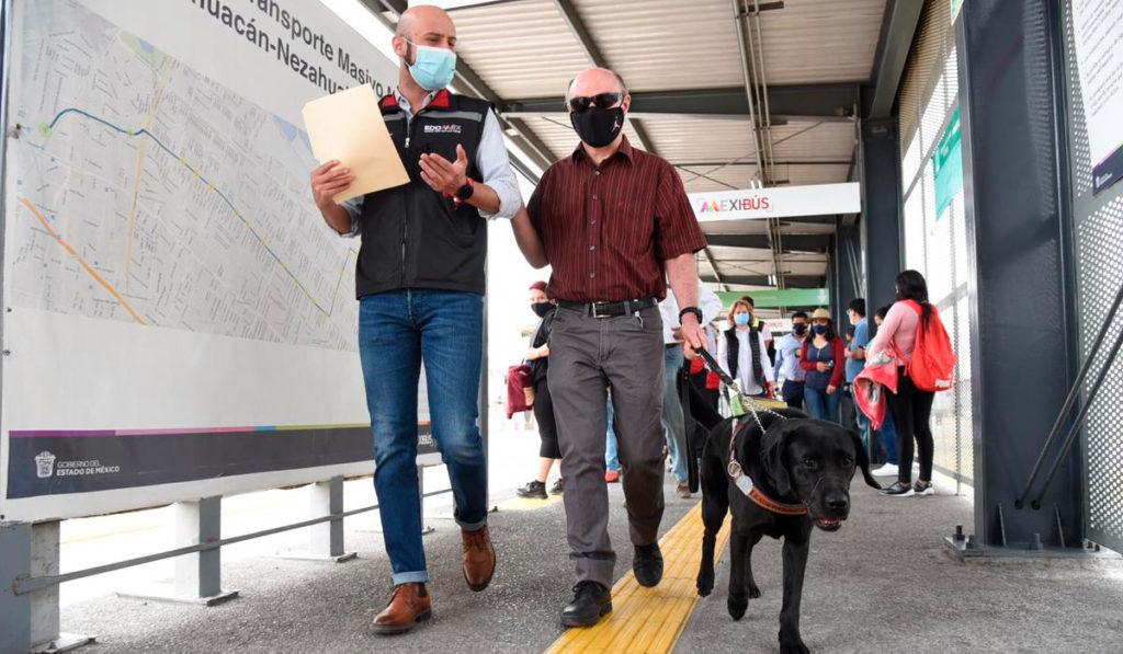 Entregan equipo de inclusión social para el Mexibús