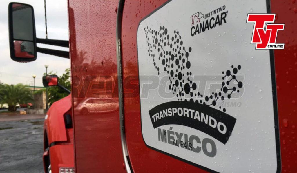 Canacar entrega 331 distintivos Transportando al País