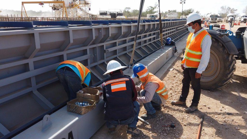 AMLO planea renovación de unidades de volteo en obras del Tren Maya