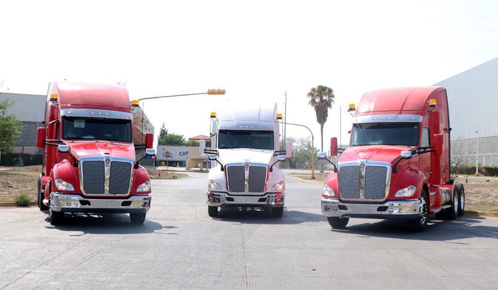 Kenworth de Monterrey entrega 3 unidades al ICET