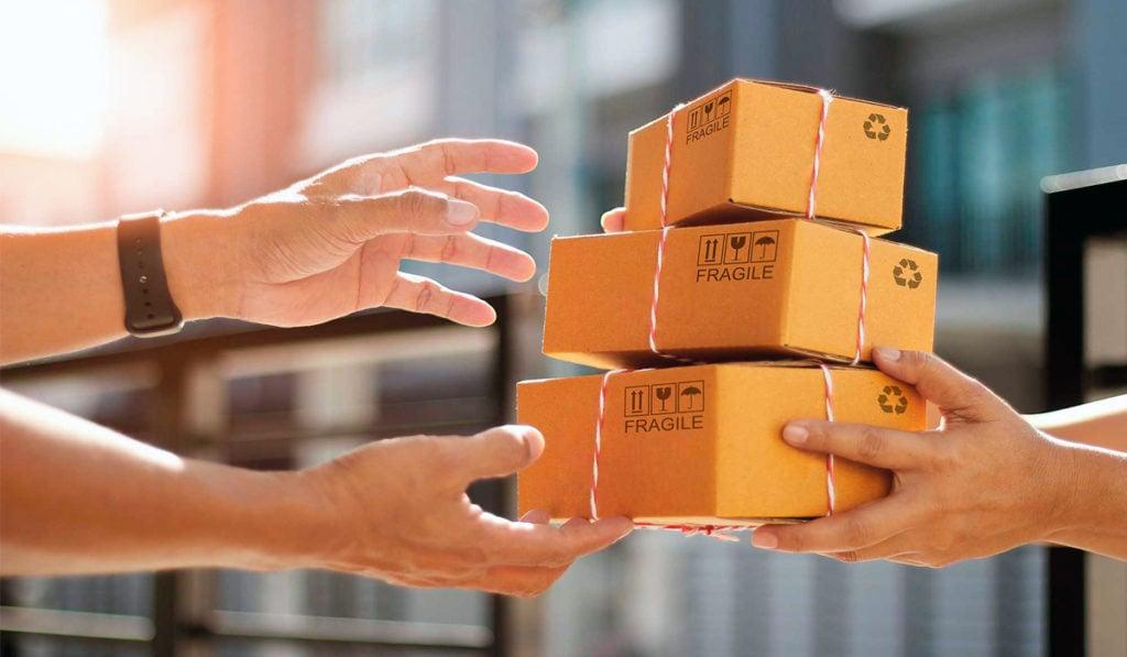 Gobierno de AMLO va por nuevas obligaciones para empresas de paquetería