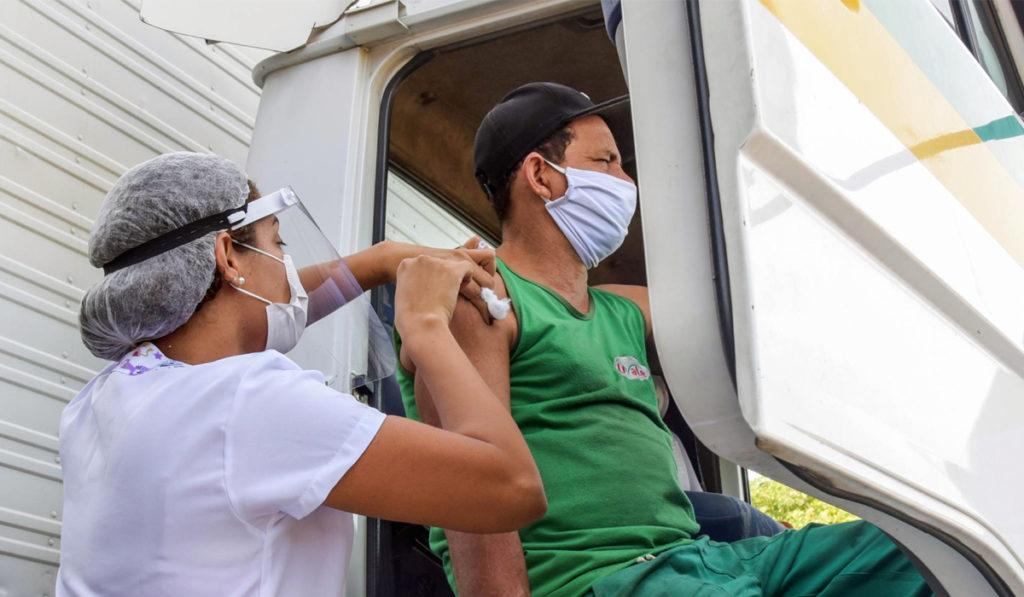 IRU urge vacunas para operadores en todo el mundo