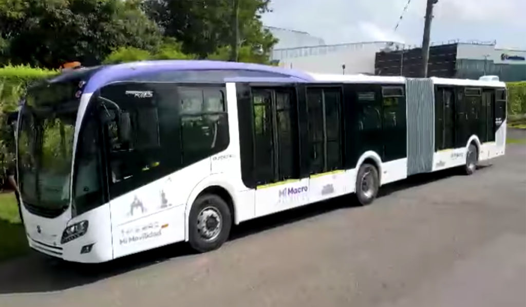 Alistan 37 buses articulados Mercedes-Benz para Mi Macro Periférico