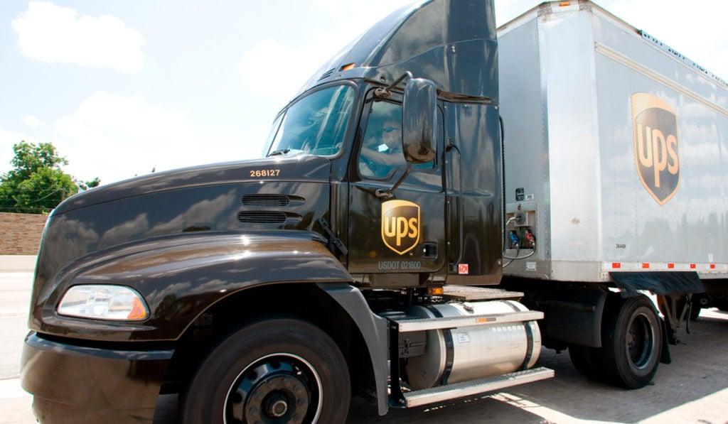 TFI International concreta compra de división LTL de UPS