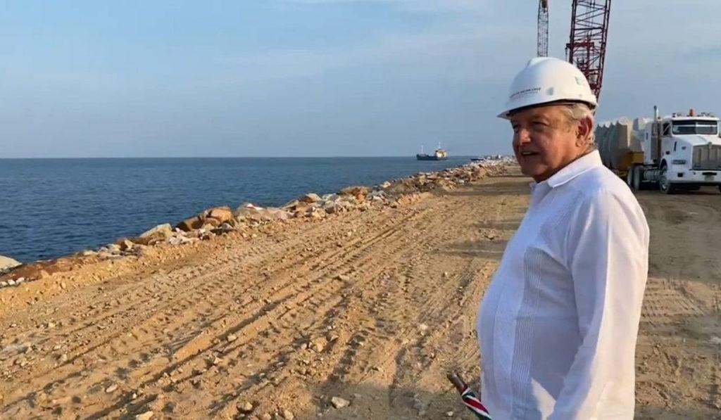 AMLO promete 10 parques industriales en el Istmo de Tehuantepec