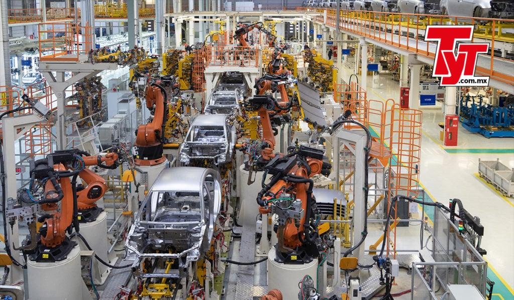 autotransporte de carga logística industria automotriz