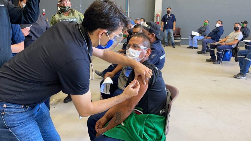 Daimler Trucks México se une al plan de vacunación contra COVID-19