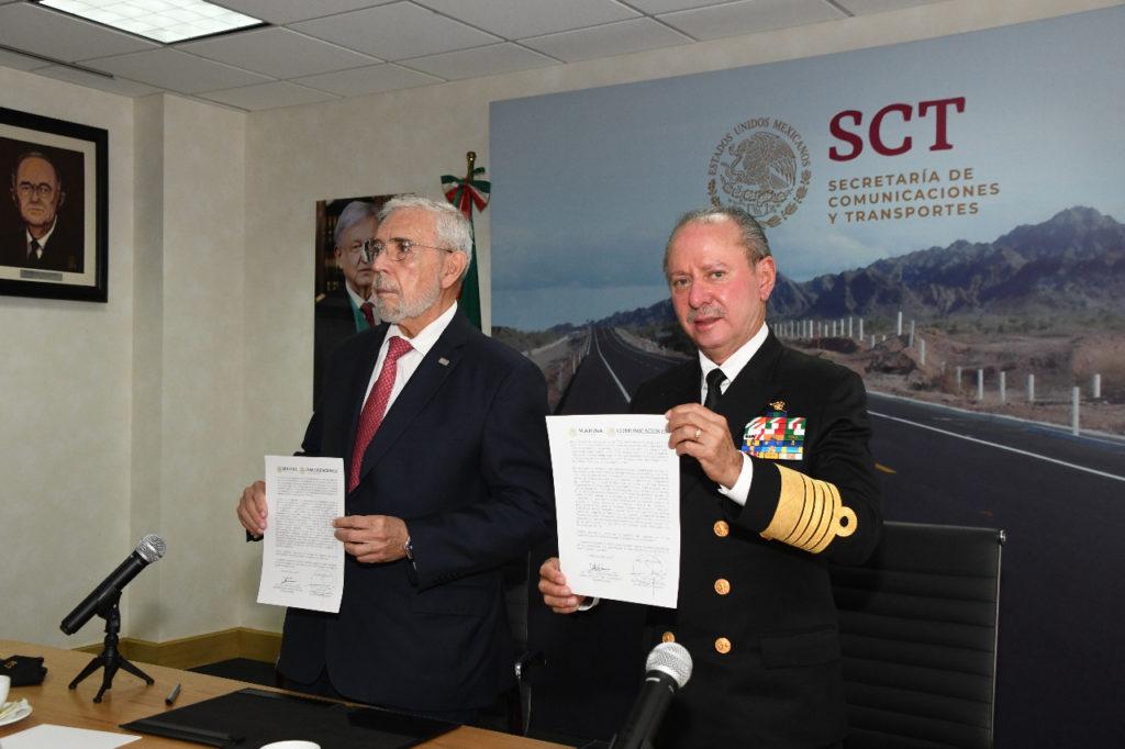 SCT entrega puertos y Marina Mercante a la Semar