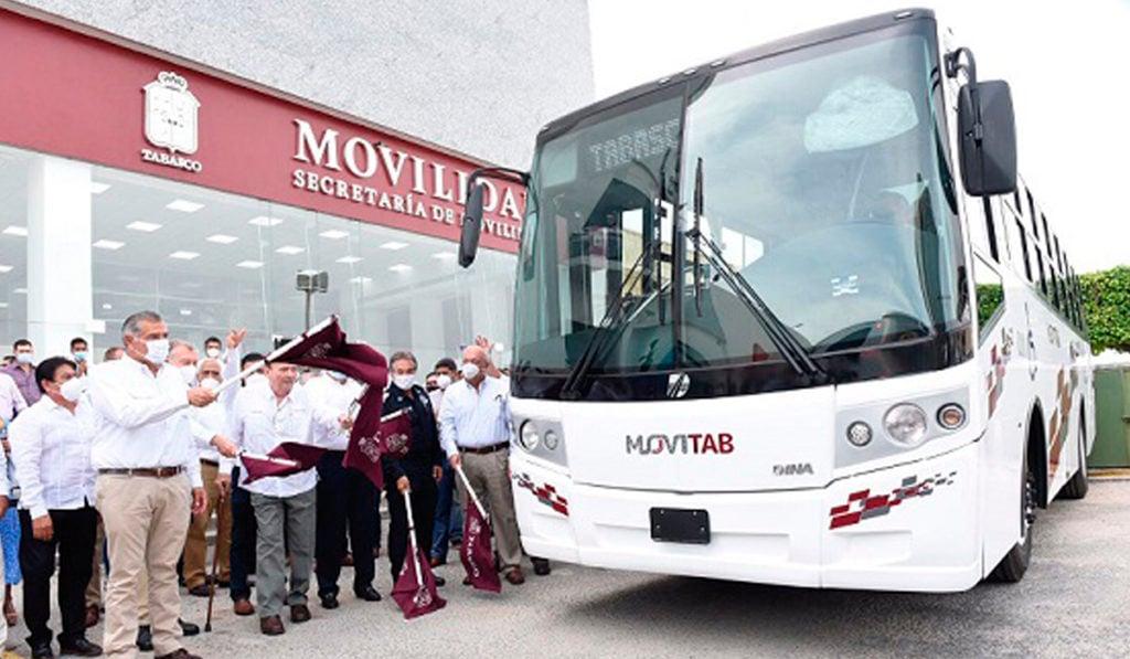 Tabasco pone en marcha nuevo sistema de transporte con 14 unidades Dina