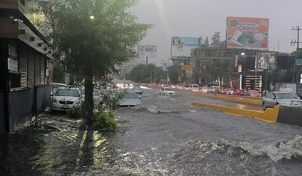 Lluvias y granizo inundan Área Metropolitana de Guadalajara