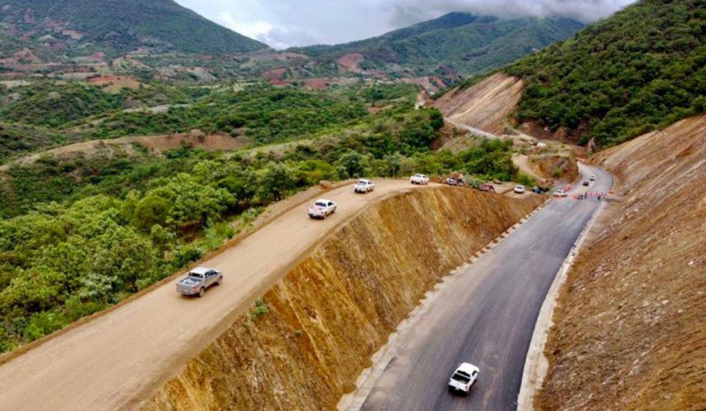 Gobierno de AMLO invierte más de 4 mdp en carreteras de Oaxaca