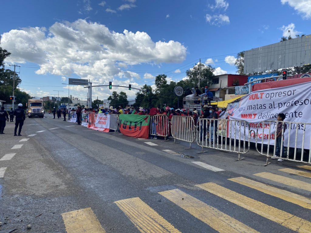 Bloqueo en Oaxaca impide entregas de Estafeta