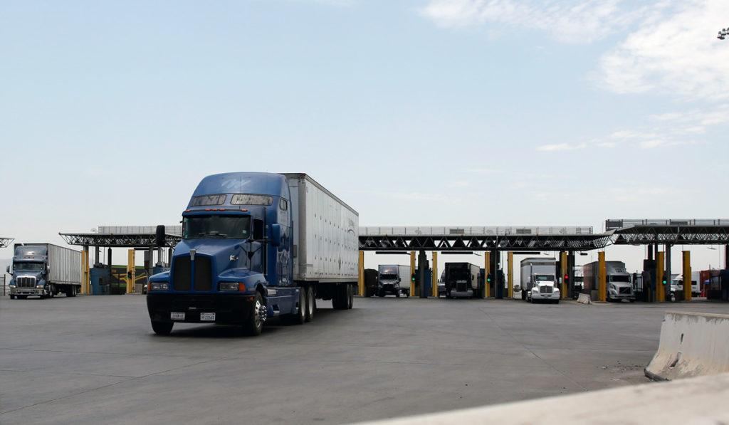 Autotransporte pierde fuerza en comercio entre México y EU