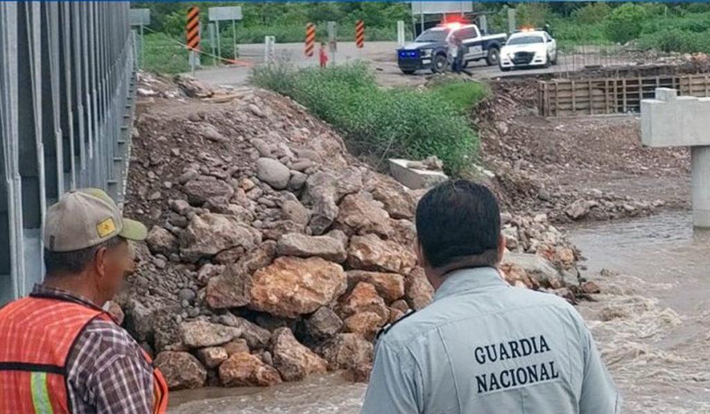 Fuertes lluvias afectan carretera Durango-Parral