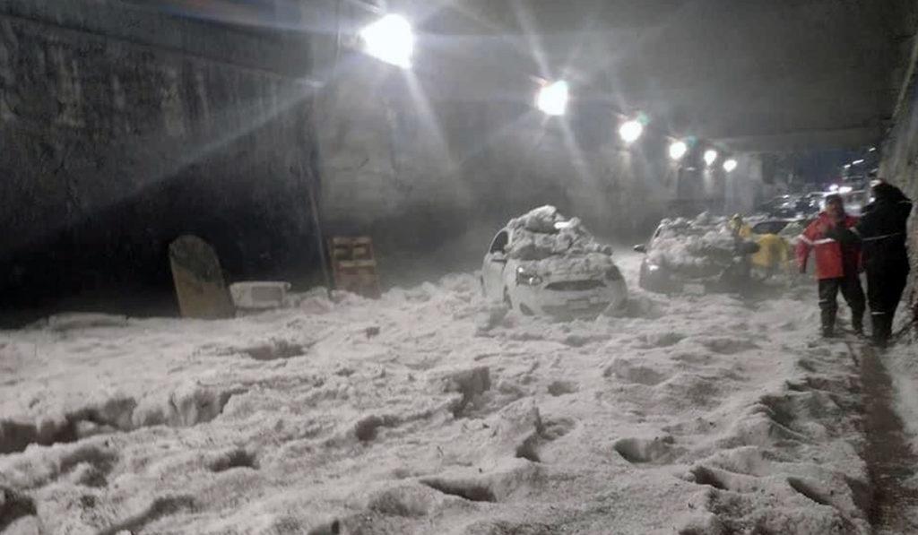 Lluvias y granizo inundan municipios del Edomex